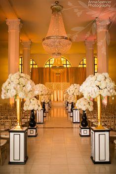 Downtown Atlanta wedding ceremony at 200 Peachtree, F & G Weddings, Edge Design Group Florist.