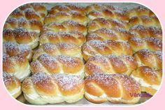 Sweet vanilla rolls - just delicious - Backideen - Cuisine et Boissons Dog Recipes, Pastry Recipes, Muffin Recipes, Sweet Recipes, Cake Recipes, Breakfast Recipes, Bolo Vegan, Vegan Cake, Sweet Bread Meat