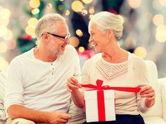 Geschenke gesucht! Du sucht ein schönes Weihnachtsgeschenk für deine Schwiegereltern? Hier findest du die schönsten Geschenkideen für Schwiegereltern!