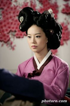 Painter of the Wind (Hangul: 바람의 화원; hanja: 바람의畫員; RR: Baram-ui Hwawon) is a 2008 South Korean historical television series starring Moon Geun-young and Park Shin-yang. Based on the bestselling historical fiction novel by Lee Jung-myung that took artistic license with the premise that perhaps the Joseon painter Shin Yun-bok had really been a woman. She meets Kim Hong-do and they develop a strong friendship of mentor and disciple. 기생정홍 문채원