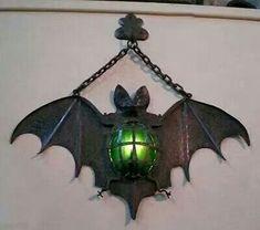 Amazing Bat lamp... I need this!