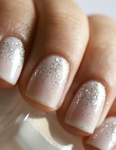 If it sparkles I own it so when the world of bio gel met glitter I did every finger in glitter.