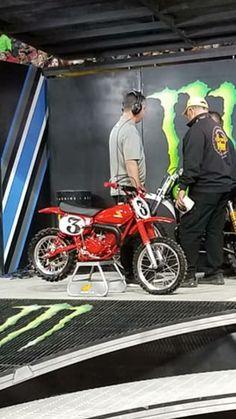 Motocross Bikes, Vintage Motocross, Honda Motorcycles, Cars And Motorcycles, Honda Motors, Honda Cr, Picts, Vintage Bikes, Dirt Bikes