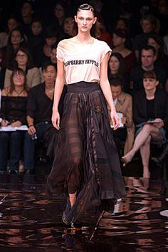 Stella McCartney - Spring/Summer 2002 Ready-To-Wear - PFW (Vogue.co.uk)