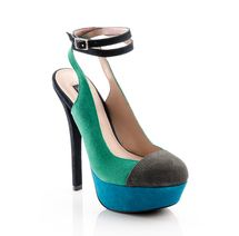 I really love these colors together, I can only wear them in my dreams though...  Showroom - ShoeMint