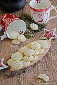 Plätzchen, Weihnachtsbäckerei, Schneeflöckchen, Weihnachtsplätzchen, Puderzucker, Rezept, Backen