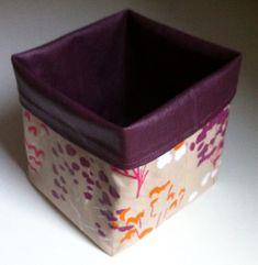 Vide poche cube en coton enduit. - Octavie à Paris Blog Couture, Diy Hacks, Pin Cushions, Cube, Sewing Projects, Crafts, Articles, Scrappy Quilts, Creativity