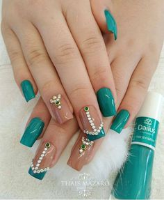 How to choose your fake nails? - My Nails Simple Acrylic Nails, Acrylic Nail Powder, Black Acrylic Nails, Green Nail Designs, Acrylic Nail Designs, Nail Art Designs, Love Nails, Pretty Nails, Fun Nails