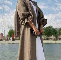 Modest Fashion Hijab, Modern Hijab Fashion, Hijab Fashion Inspiration, Inspiration Mode, Abaya Fashion, Muslim Fashion, Fashion Black, Abaya Designs, Mode Ootd