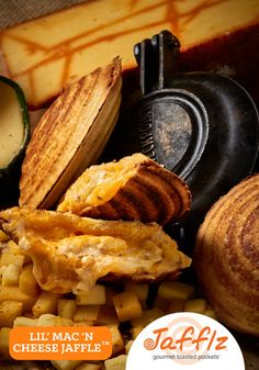Lil' Mac 'N Cheese Jaffle is a Triple Mac and Cheese in a Toasted Pocket. Vegetarian, All Natural Ingredients and No Junk! Braai Recipes, Snack Recipes, South African Recipes, Ethnic Recipes, Classic Mac And Cheese, Mac S, Real Food Recipes, Vegetarian, Pie Irons