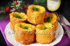 Горячая закуска с рыбой в багете - Ингредиенты:  - филейная часть морской рыбы – 0,5 кг.; - багет – 1 шт.; - сыр твердых сортов – 150 г; - майонез – 50 г; - масло растительное; - молоко – 0,5 л.; - лук репчатый – 75 г; - зелень - по вкусу; - соль - по вкусу; - черный молотый перец - по вкусу.