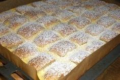 fold in. Spread the dough on a greased baking sheet. For the curd cream … Quilted Cake, Mango Dessert Recipes, Banana Bread Recipes, Sweet Bread, Cakes And More, Cake Cookies, Baking Recipes, Cookie Recipes, Sweet Recipes