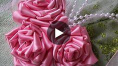 Hoje vamos aprender a fazer um belíssimo Corsage, sem costura com flores de cetim♥