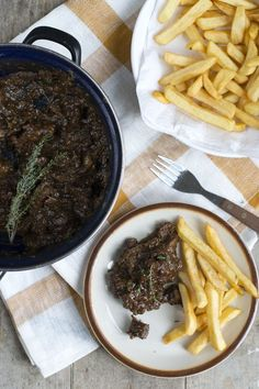 Friet met Stoofvlees #Belgian #Beef_Stew #Fries