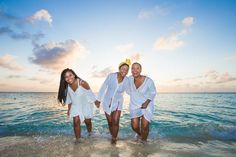Family Gathering Pictures | Download Free Images on Unsplash American Group, How Many People, Happy Women, African American Women, Hd Photos, Free Images, Black Women, Belize City, Culture