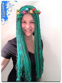DIY yarn craft ideas projects No CrochetDIY yarn wigs instructions 4 ways - yarn do not crochetYarn Wig Yarn Hat Crochet Funky Hat Wig Hat Headdress Cosplay Hat Chemo Hat Cancer Patient Hat Hat For Costume Wigs, Diy Costumes, Costumes For Women, Easy Yarn Crafts, Yarn Crafts For Kids, Halloween Yarn, Halloween Stuff, Rapunzel Wig, Kids Wigs