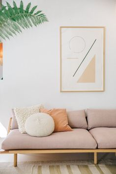 Decorating trends see amazing photos and ideas - Home Fashion Trend Living Room Inspiration, Home Decor Inspiration, Pop And Scott, Tongue And Groove Walls, Decoration Bedroom, Interior Desing, Modern Couch, Home And Living, Living Spaces