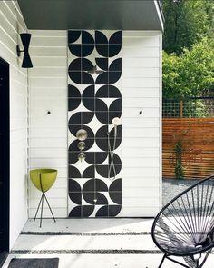 Ultimate Deck And Patio Area Retreat For Easy Living – Outdoor Patio Decor Patio Tiles, Outdoor Tiles, Pavers Patio, Backyard Patio, Outdoor Wall Panels, Patio Roof, Backyard Ideas, Decomposed Granite Patio, Exterior Tiles