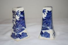 Vintage Blue Willow Salt and Pepper set from Japan by pleemiller, $8.00
