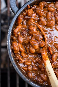 "Get the Sweet 'n Smokey Bourbon ""Baked"" Beans with Thick-cut Apple Smoked Bacon, Maple & Cracked Black Pepper recipe from The Cozy Apron Incredible BBQ Side Dishes That'll Make You Forget All About The Brisket Joette Bennett joetterb Super Side Dis Barbecue Sides, Barbecue Area, Barbecue Chicken, Barbecue Sauce, Barbecue Shrimp, Vegan Barbecue, Bbq Pork, Pulled Pork, Bbq Baked Beans"