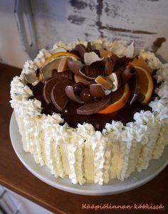 Kääpiölinnan köökissä: Suklaa-mangokakkua synttärisankarille ♥