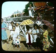 KIDS WITH THEIR KITES IN YOKOHAMA -- Ca.1897-1900 T. ENAMI photograph
