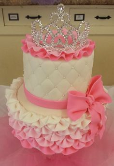 Since several people have requested informhe princess cake that I made for my sister's baby shower last month, I have decided . Deco Baby Shower, Baby Shower Cakes, Girly Cakes, Cute Cakes, Pink Cakes, Fondant Cakes, Cupcake Cakes, Tiara Cake, Birthday Cake Girls