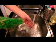 We demonstrate how easy it is to rinse butter out of the ENJO Kitchen Glove. Kitchen Gloves, Household Chores, Cleaning, Dishes, Videos, Water, Check, Tips, Youtube