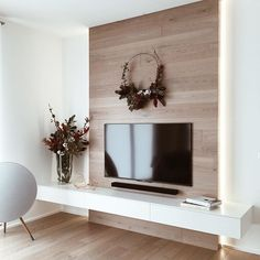 awesome Stylish Tv Wall Unit Ideas For Stunning Living Room Design Home Living Room, Living Room Decor, Tv On Wall Ideas Living Room, Home Interior, Interior Design, Tv Wall Decor, Wall Tv, Tv Wall Mount, Wall Behind Tv