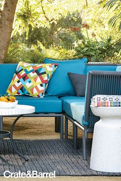 Now up to 40% off Outdoor Furniture. Dining indoors is so two months ago.