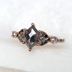 Cute Rings, Pretty Rings, Beautiful Rings, Dream Engagement Rings, Vintage Engagement Rings, Engagement Rings Black Diamond, Non Traditional Wedding Ring, Non Traditional Engagement Rings Vintage, Wedding Rings Vintage