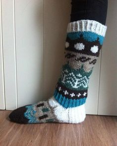 Riikka Was here: Muitaihania talvisukat Knee High Socks, Knitting, Crafts, Fashion, Moda, Manualidades, Tricot, Fashion Styles, Stricken
