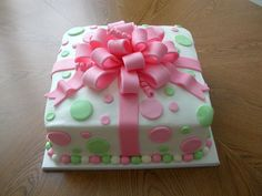 would love to receive this cake!!!