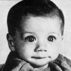 Before they were famous - John Travolta - Just look at those eyes! Young Celebrities, Young Actors, Celebs, Baby Pictures, Baby Photos, Nova Jersey, Jersey Girl, Cinema Tv, Daddys Boy