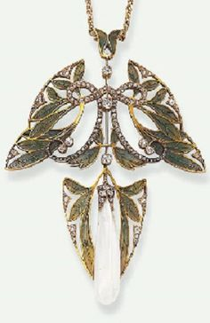HENRI VEVER - AN ART NOUVEAU DIAMOND, PLIQUE-À-JOUR ENAMEL AND PEARL PENDANT NECKLACE, CIRCA 1907. Designed as openwork green plique-à-jour enamelled stylised leaves, enhanced by scrolling rose-cut diamond and diamond collet trim, suspending an elongated baroque pearl, accented by an old European, single and rose-cut diamond cap, within a similarly-set foliate surround, mounted in 18k gold, with French assay marks. Signed Vever, Paris, numbered. #Vever #ArtNouveau #pendant