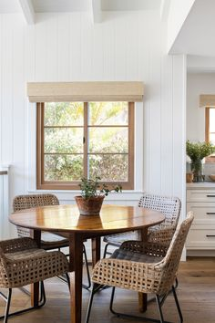 A Small Bungalow Expanded for a Young Family in Manhattan Beach Dining Room Design, Dining Area, Dining Rooms, Bungalow Dining Room, Minimalism Living, Small Bungalow, Up House, Dining Room Inspiration, Interior Inspiration