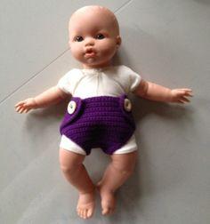 Dukke ble – Kernefamilien.dk Square Patterns, Baby Born, Chrochet, Crochet Hooks, Baby Dolls, Doll Clothes, Chevron, Crochet Patterns, Kids