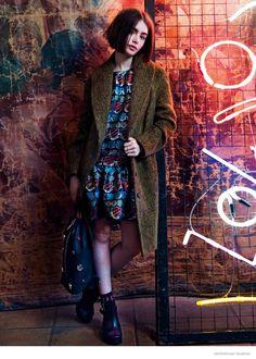 Актриса Лили Коллинс (Lily Collins) украсила октябрьский ASOS Magazine. Звезда и ее новая стрижка позировали Майклу Хауптману (Michael Hauptman).
