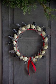 Poppy Seed Head & Guinea Fowl Feather Christmas Wreath