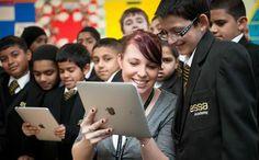 Que os parece este ejemplo de escuela pública en Reino Unido con alta tecnología. Es posible otra forma de enseñar¿?