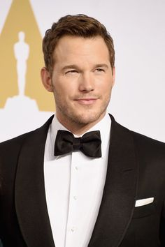 Yes, Chris Pratt always looks handsome, but sometimes he looks really, really handsome. For your daily dose of eye candy, check out the all-time hottest pictures of the actor! Chris Pratt, Chris Evans, Weak In The Knees, Beautiful People, Beautiful Boys, Picture That, Star Lord, Chris Hemsworth, Jennifer Lawrence