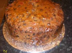 Traditional Irish Bread / cake for Christmas. Every year my mother would make her Christmas cake, Cheesecakes, Christmas Cake Recipe Traditional, Irish Cake, Irish Bread, Irish Traditions, Irish Christmas Traditions, Irish Recipes, Scottish Recipes, Round Cakes