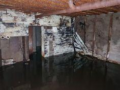 Atlantikwall Regelbau - Radar Bunker with Socket for Wassermann S Radar Abandoned Buildings, Abandoned Places, Secret Bunker, Bunker Hill Monument, Doomsday Bunker, Underground Bunker, Safe Room, Places In Europe, Fortification