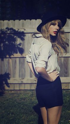 Taylor Swift Screensaver