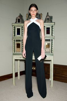 Roland Mouret Resort 2015 Fashion Show Collection: See the complete Roland Mouret Resort 2015 collection. Look 24 Paris Fashion, Fashion Show, Fashion Design, Runway Fashion, Fashion Fashion, Fashion Trends, Looks Style, My Style, Black White Fashion