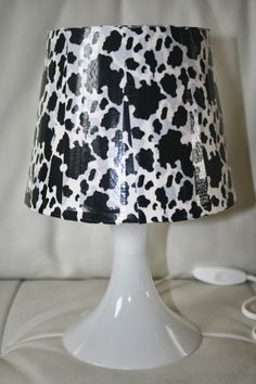 Lamp shade decorated with Decopatch paper