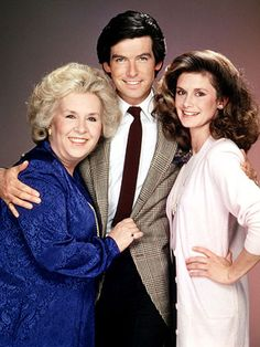 Pierce Brosnan (Remington Steele),  Stephanie Zimbalist (Laura Holt),  Doris Roberts (Mildred Krebser) - Remington Steele