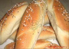 Upečte si domácí křupavoučké slane rohlíky... Slovak Recipes, Czech Recipes, Bread Recipes, Snack Recipes, Snacks, Russian Recipes, Bread And Pastries, Bread Baking, Hot Dog Buns
