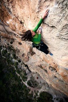 Agata Modrzejewska - Kalea Borroka 8b+ // Siurana (Spain)  - Photo Micky Wiswedel