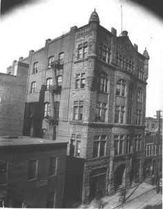 Tennessee State Library and Archives: The 5-story Vanderbilt Law and Dental Department Building on 4th Avenue North, west side, between Union and Deaderick streets.
